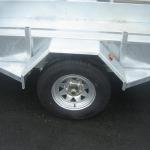 Box_trailer_8x4_tire